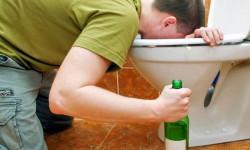 Как избавиться от тошноты и рвоты после алкоголя?